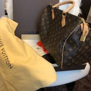 Additional Photos Authentic Louis Vuitton